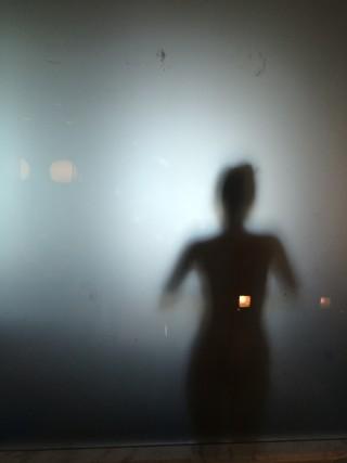 stock-photo-shadows-bano-sombras-ef2fc4c3-59b0-4272-b51c-41b367f69829
